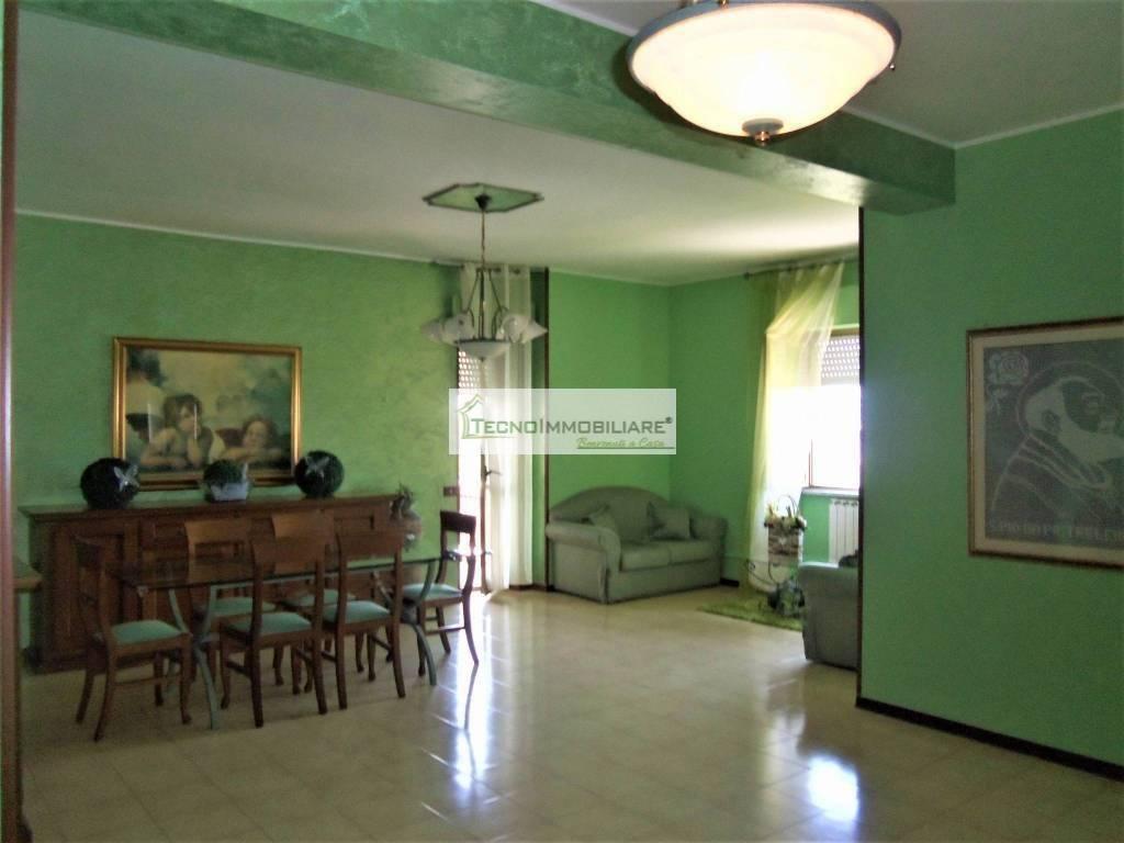 Appartamento in ottime condizioni in vendita Rif. 7541206