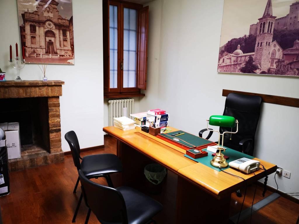 Ufficio / Studio in affitto a Spoleto, 2 locali, prezzo € 200 | CambioCasa.it