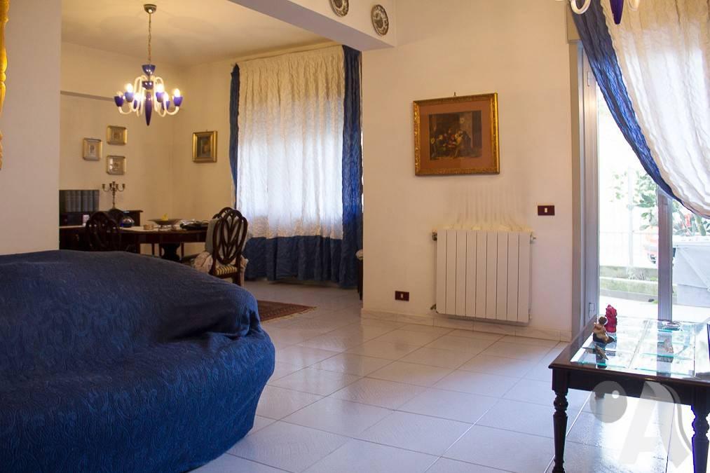 Appartamento in vendita a Messina, 5 locali, prezzo € 145.000 | CambioCasa.it