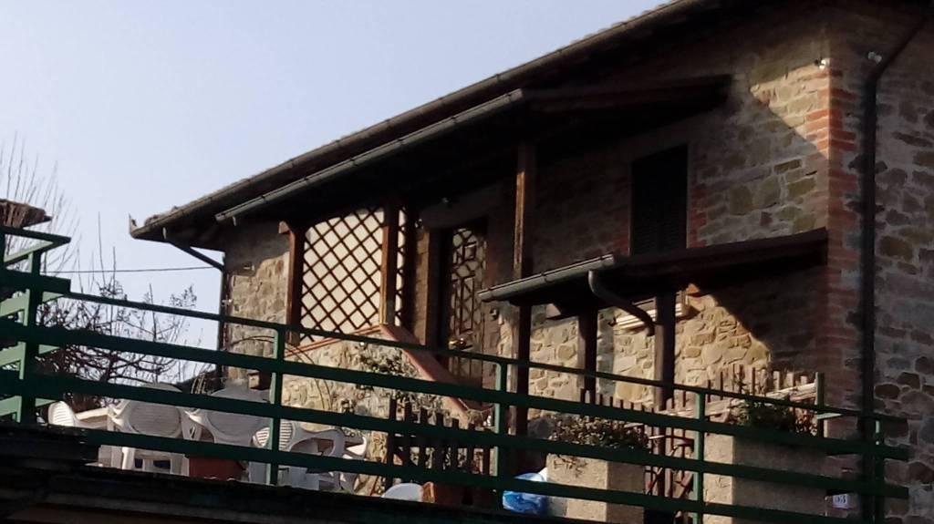 Appartamento in ottime condizioni parzialmente arredato in vendita Rif. 8895010