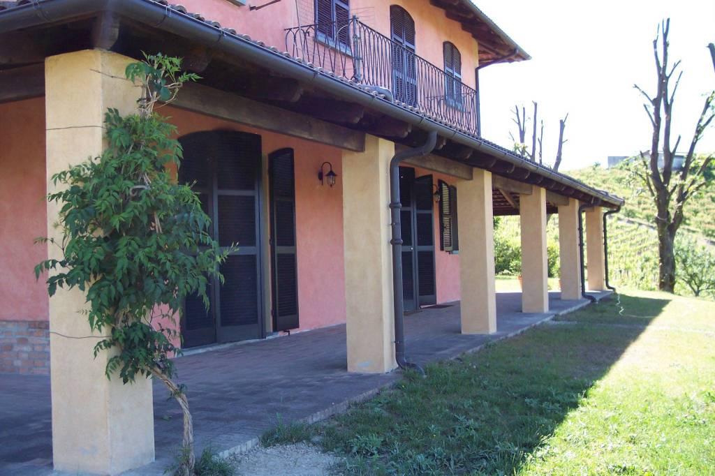Foto 1 di Villa Castagnole Delle Lanze