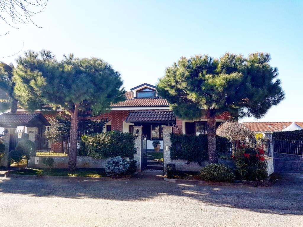 Villa in vendita via Sicilia 28 Orbassano