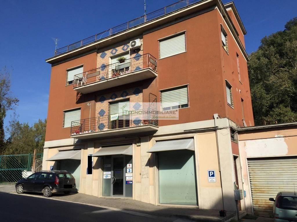 Appartamento in buone condizioni in vendita Rif. 8550739