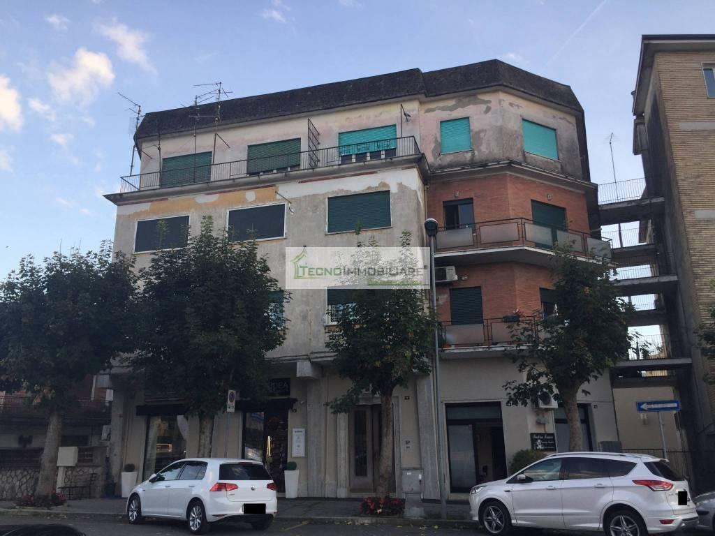 Appartamento in ottime condizioni in vendita Rif. 8426325