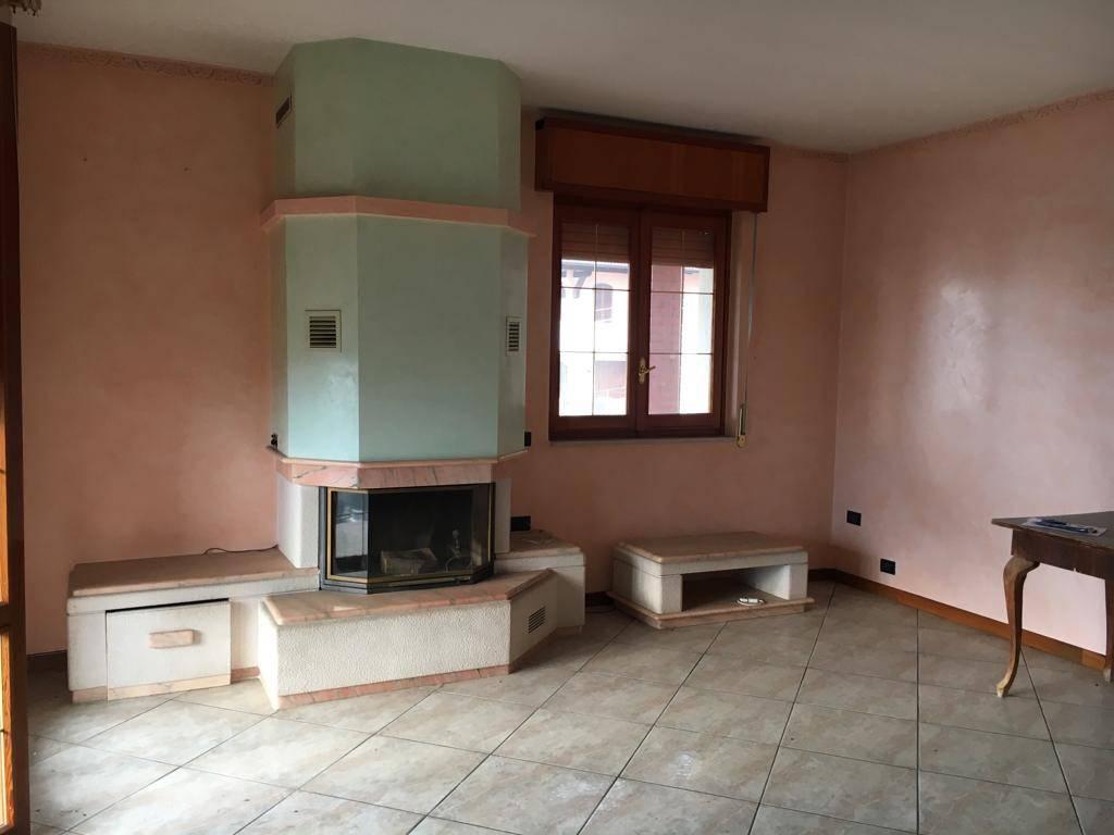 Appartamento in vendita a Gandino, 4 locali, prezzo € 99.000 | PortaleAgenzieImmobiliari.it