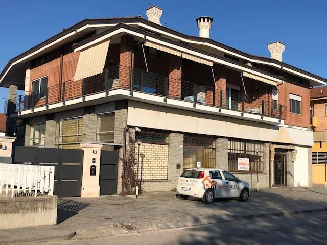Negozio / Locale in vendita a Canale, 6 locali, prezzo € 264.000   CambioCasa.it