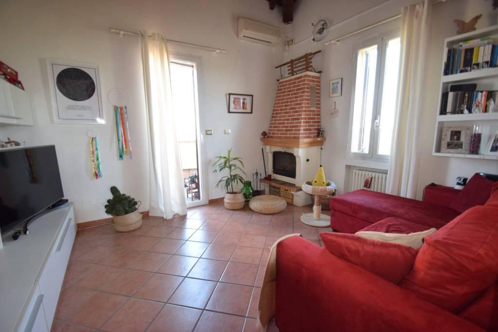 Foto 1 di Trilocale via Ferrarese 225, Bologna (zona Corticella)