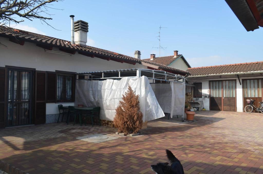 Foto 1 di Villa Lombriasco