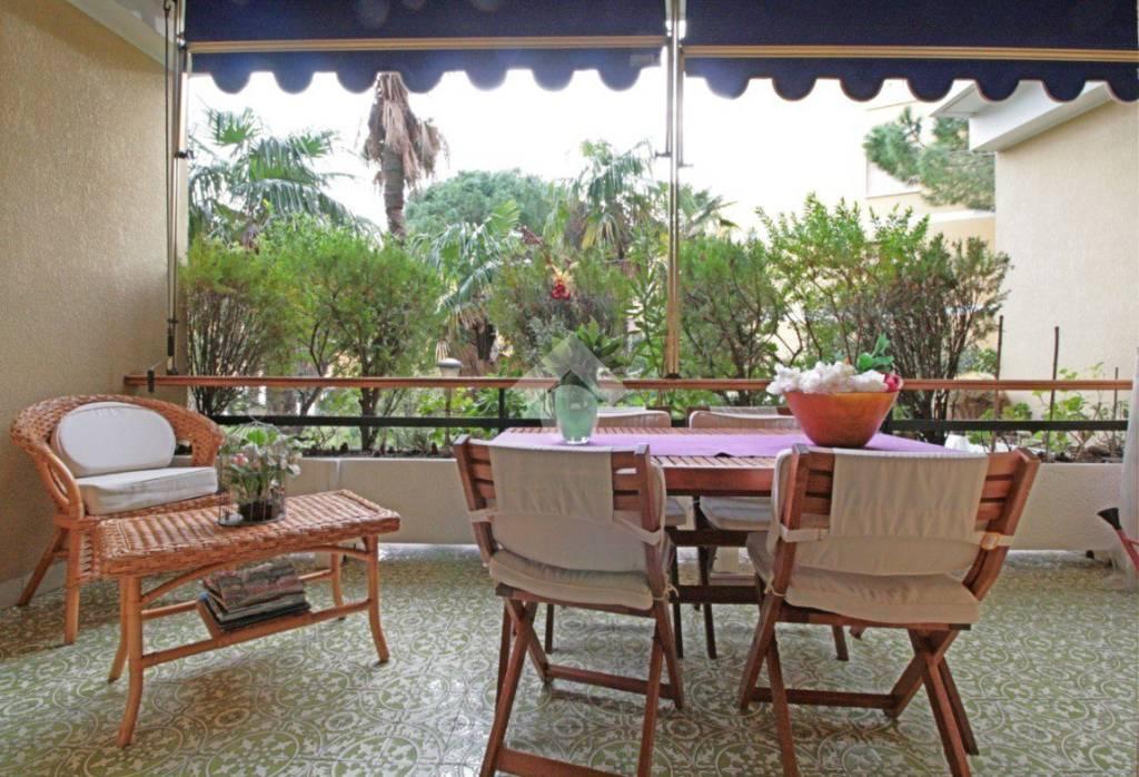Appartamento in ottime condizioni in vendita Rif. 9156540
