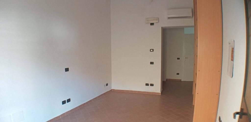 Negozio / Locale in affitto a Cermenate, 1 locali, prezzo € 400 | PortaleAgenzieImmobiliari.it