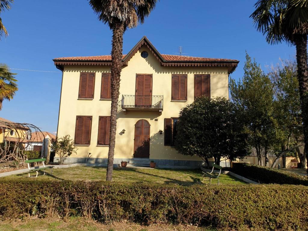 Foto 1 di Villa via Chioso, Cuceglio