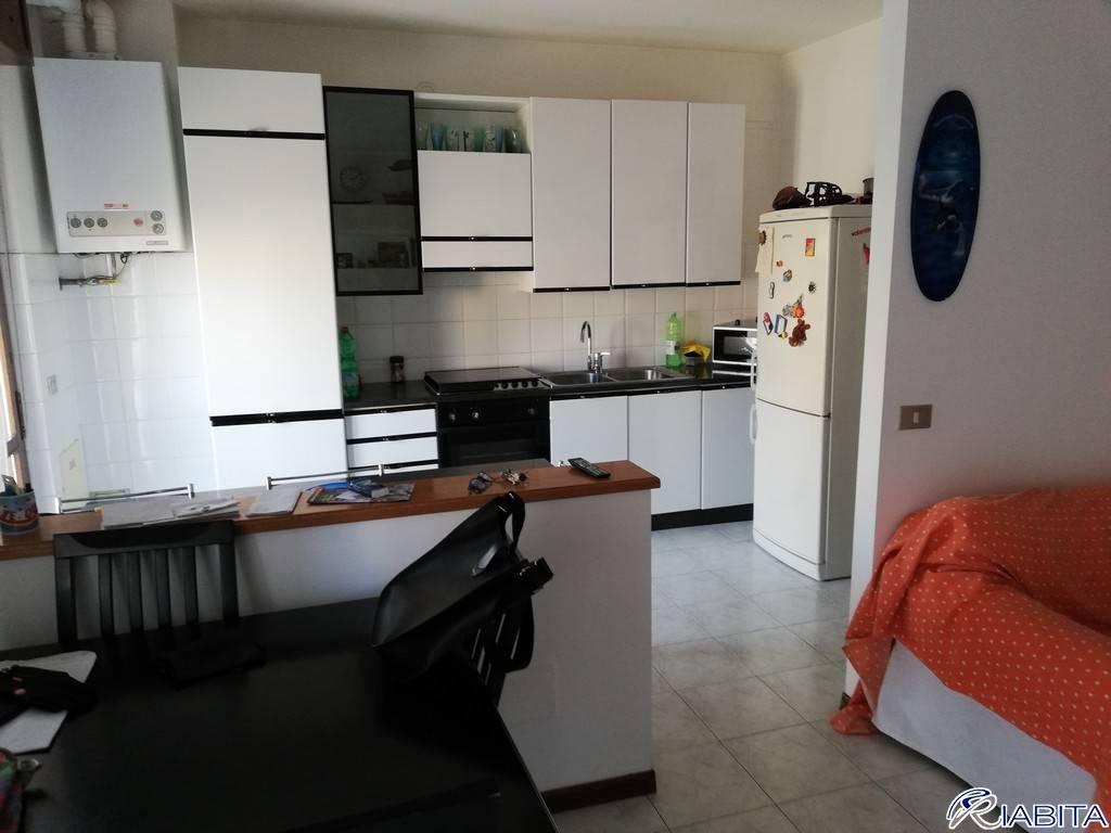 Appartamento in Vendita a Cadeo Periferia: 5 locali, 135 mq