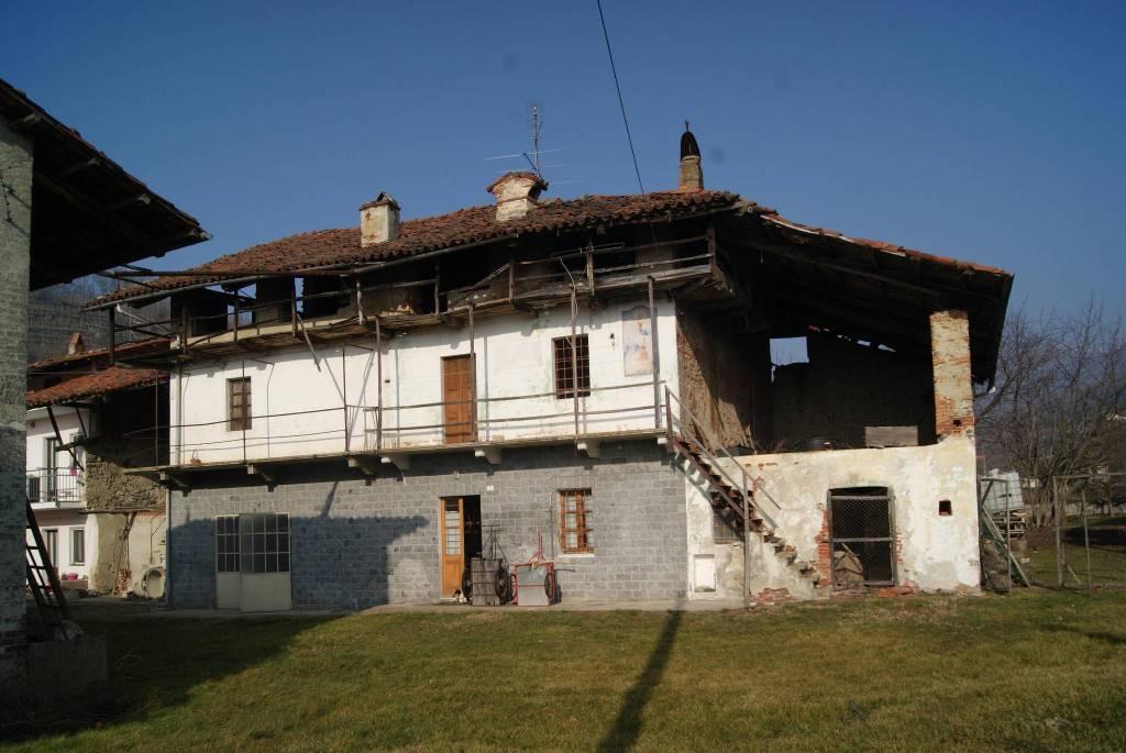 Foto 1 di Casa indipendente via G. Ceresa Rossetto, Bollengo