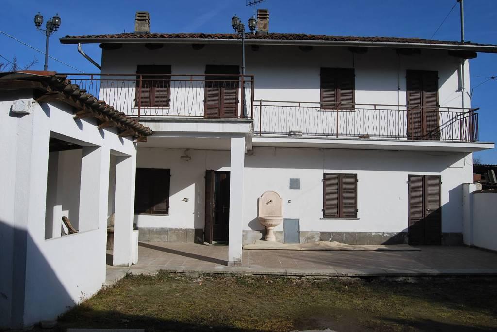 Foto 1 di Villa Frazione San Michele, frazione San Michele, Villafranca Piemonte