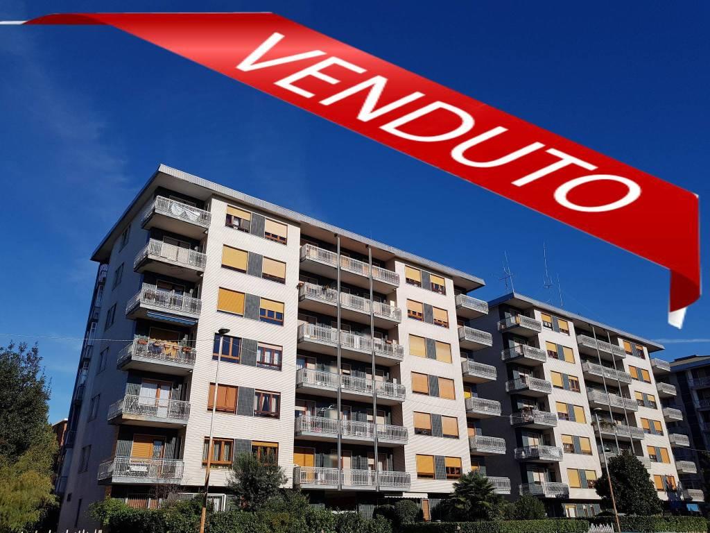 Appartamento in ottime condizioni in vendita Rif. 9486014