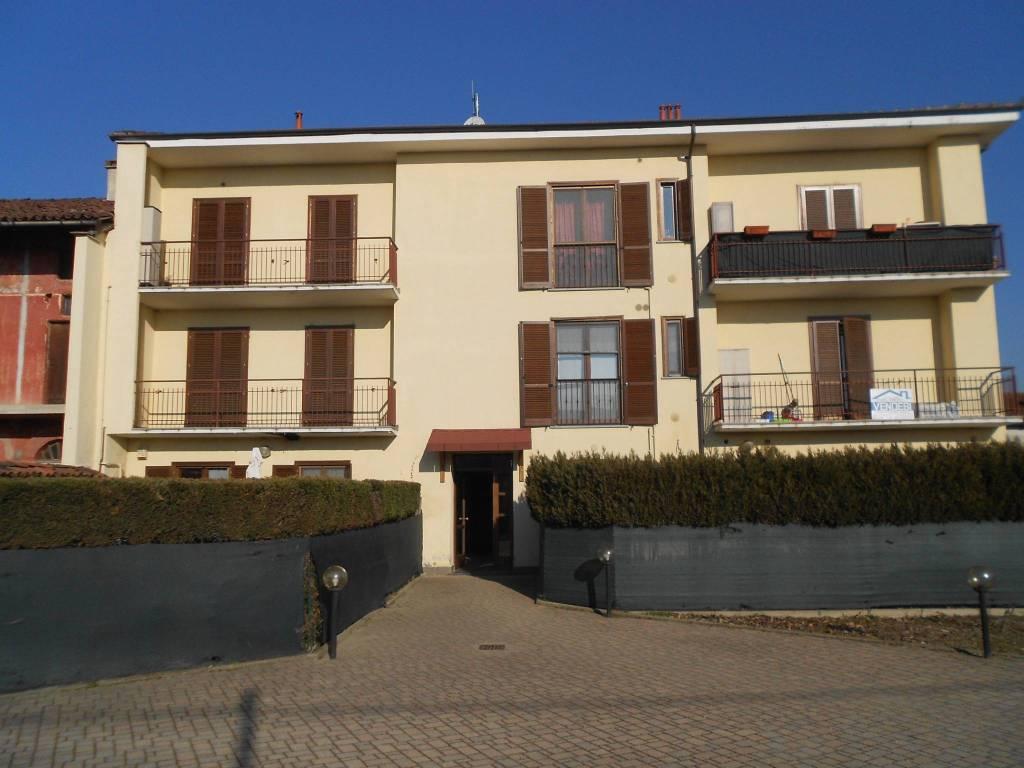 Foto 1 di Bilocale via San Giovanni Bosco, Piscina