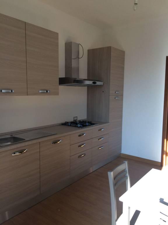 Appartamento in buone condizioni arredato in affitto Rif. 9002087