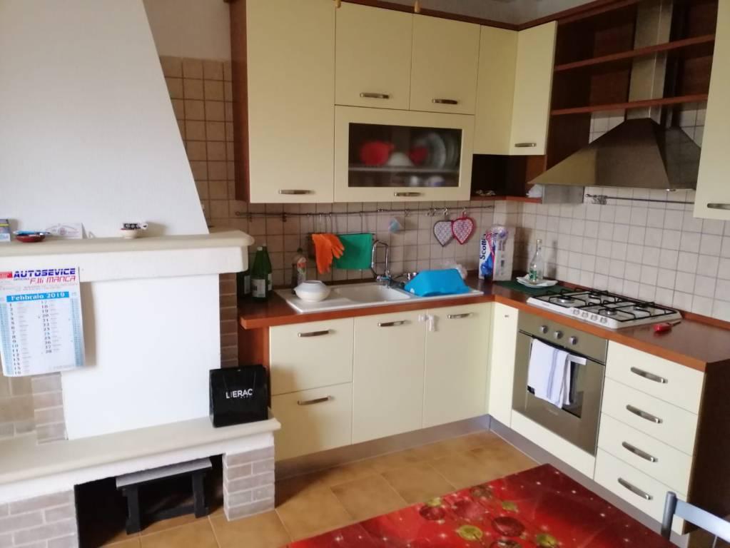 Appartamento in Vendita a Monteroni Di Lecce Periferia: 5 locali, 110 mq