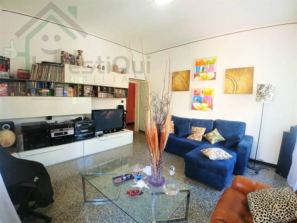 Foto 1 di Appartamento via Ignazio Borro 1, Pietra Ligure