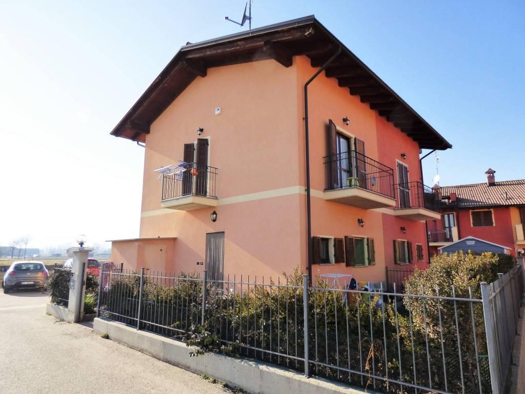San Rocco di Bernezzo, villetta libera su tre lati via Tetto Muratto