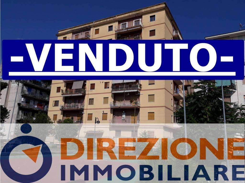 Appartamento in buone condizioni in vendita Rif. 8157022