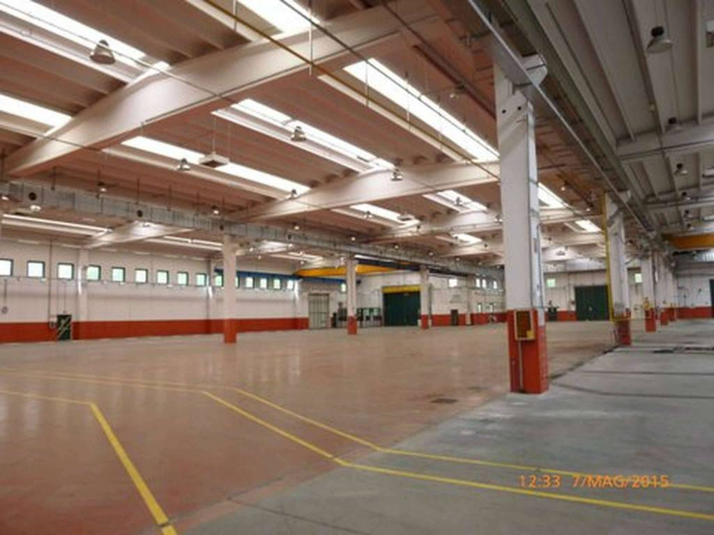 Capannone in vendita a Como, 6 locali, zona Monte Olimpino - Sagnino - Tavernola, prezzo € 3.900.000 | PortaleAgenzieImmobiliari.it