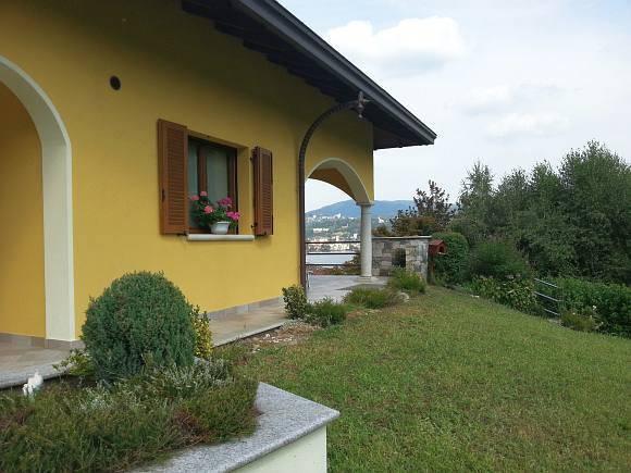 Villa in vendita a Pella, 8 locali, Trattative riservate | CambioCasa.it