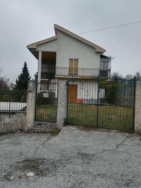 Villa in vendita a Giusvalla, 8 locali, prezzo € 125.000 | PortaleAgenzieImmobiliari.it