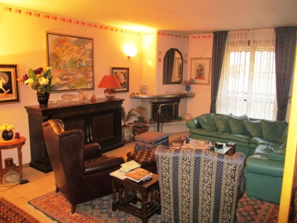 Appartamento in vendita a San Martino Siccomario, 4 locali, prezzo € 235.000 | CambioCasa.it