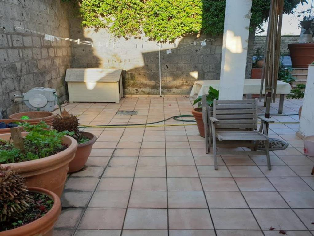 Villa in ottime condizioni parzialmente arredato in vendita Rif. 9174399
