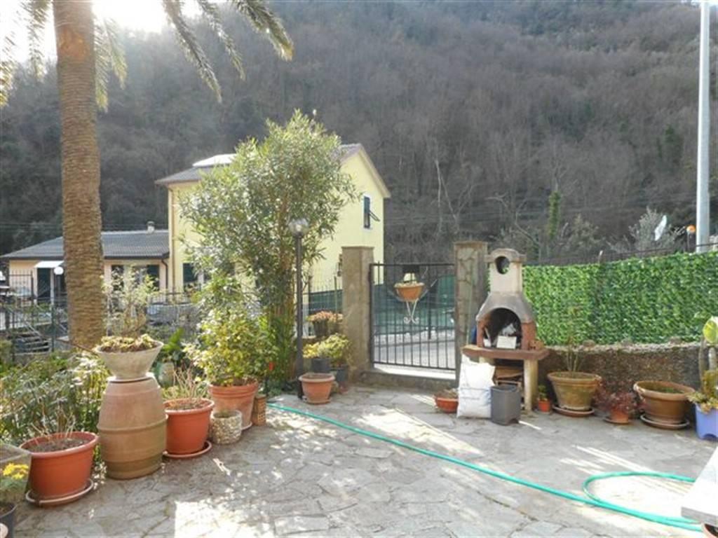 Foto 1 di Trilocale via Posato, Avegno