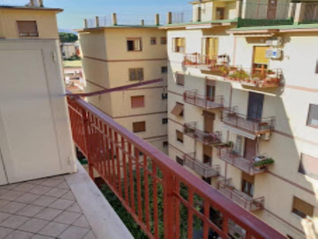 Appartamento in buone condizioni in vendita Rif. 8559326
