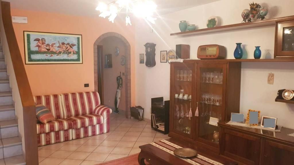 Villetta in Vendita a Verucchio Centro: 5 locali, 181 mq