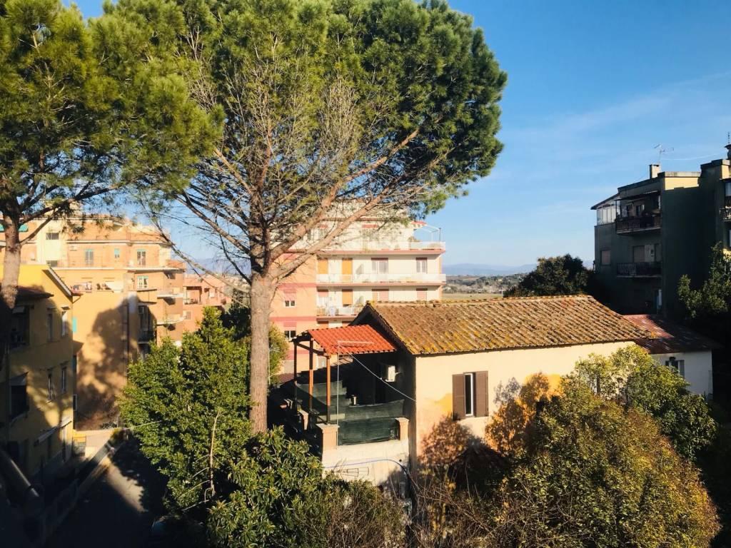 Appartamento in vendita a Roma, 3 locali, zona Zona: 33 . Quarto Casale, Labaro, Valle Muricana, Prima Porta, prezzo € 150.000 | CambioCasa.it