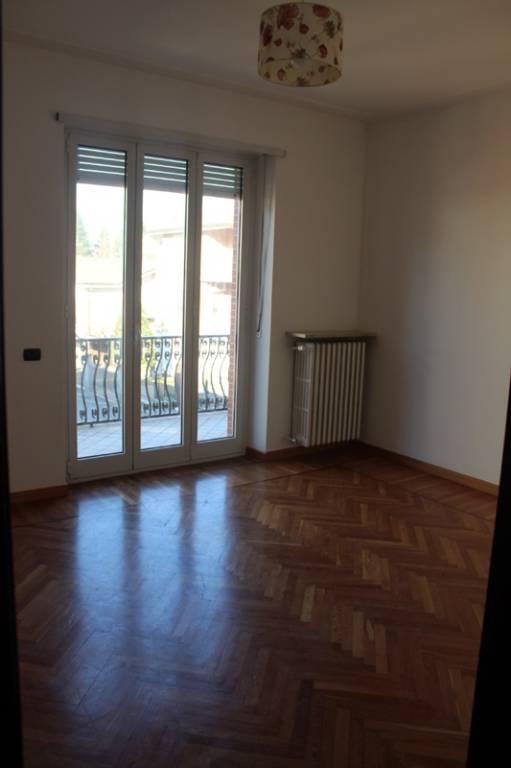 Appartamento in affitto a Alba, 5 locali, prezzo € 600 | CambioCasa.it