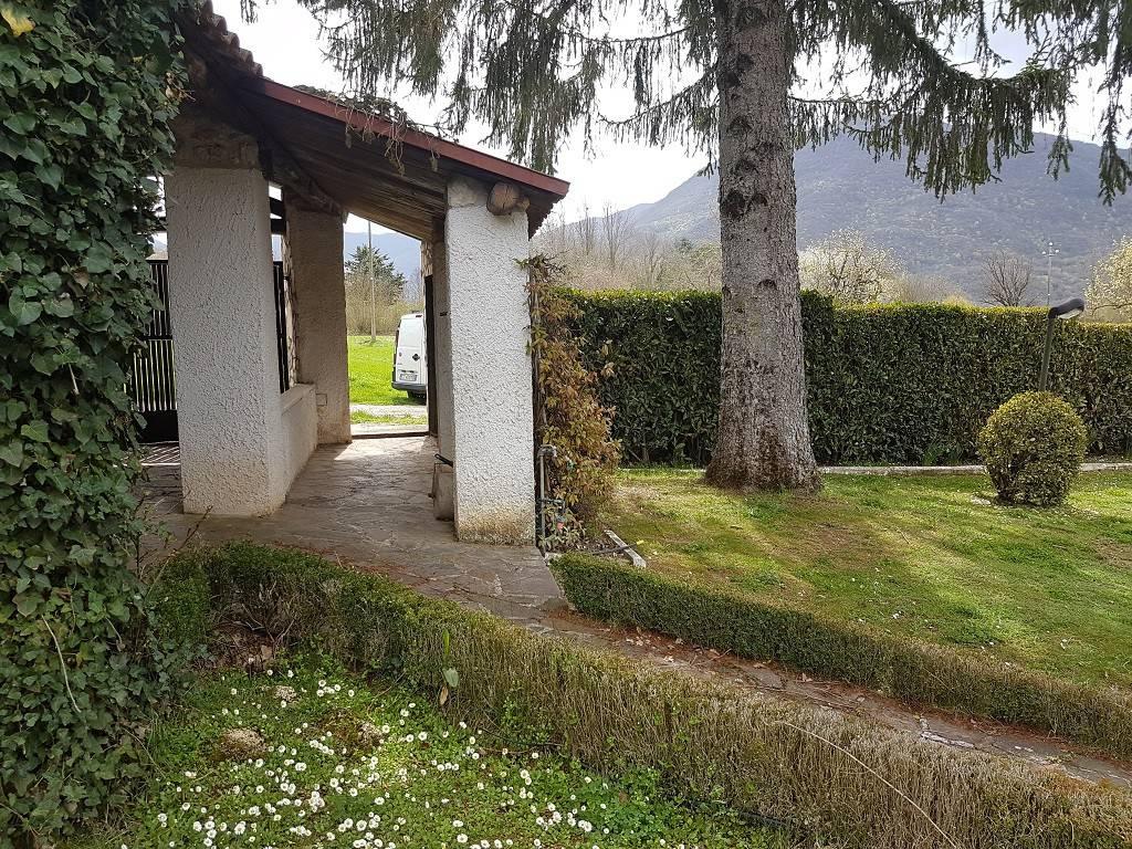Villa in ottime condizioni arredato in vendita Rif. 8256658