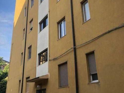 Appartamento da ristrutturare in vendita Rif. 8325643