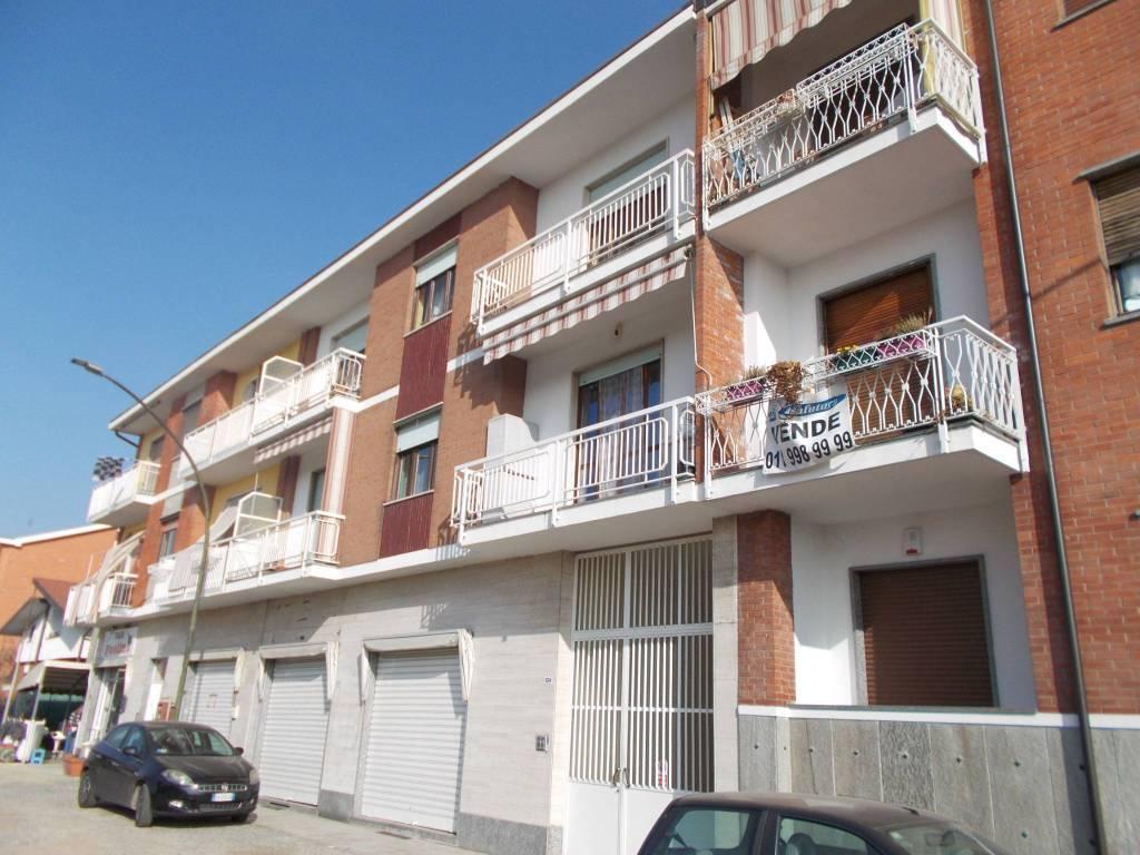Foto 1 di Trilocale via Lombardore 104, Leinì