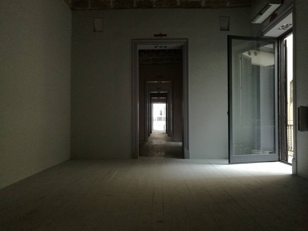 Appartamento in vendita via Villaermosa 18 Palermo