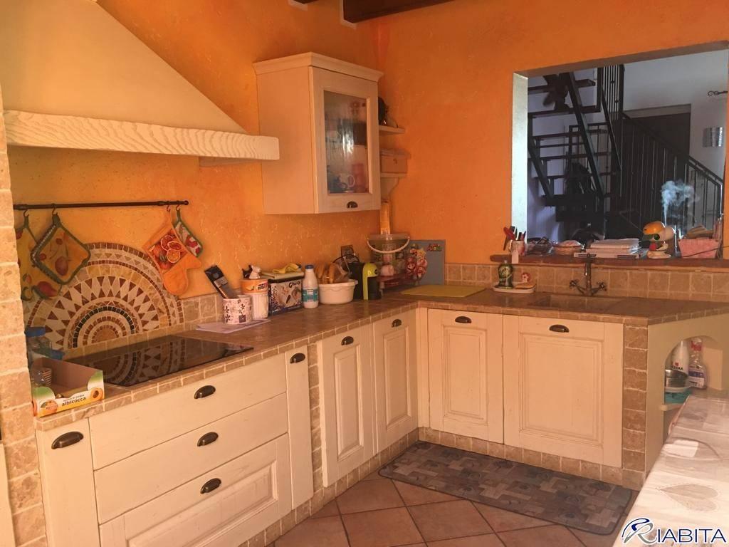 Villa in Vendita a Agazzano Periferia: 2 locali, 80 mq
