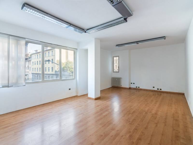 Ufficio-studio in Vendita a Milano 03 Venezia / Piave / Buenos Aires: 5 locali, 200 mq