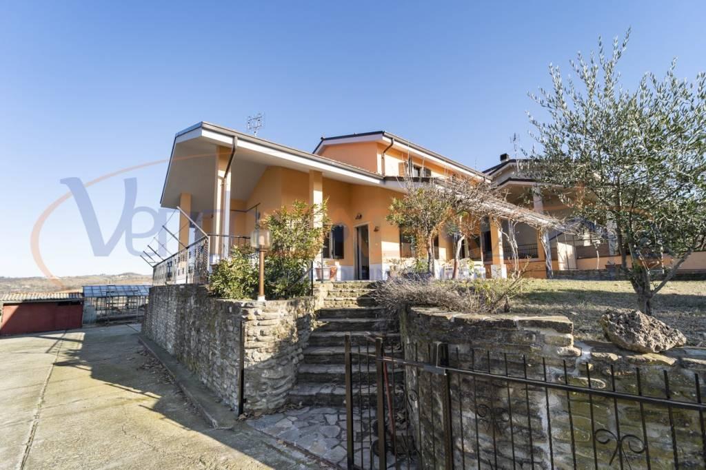 Foto 1 di Villa via San Lorenzo 28, Rodello