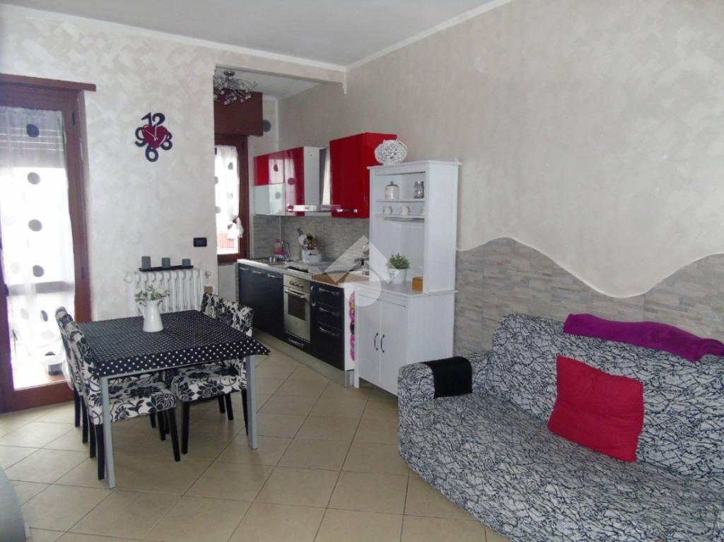 Appartamento in ottime condizioni in vendita Rif. 9488672