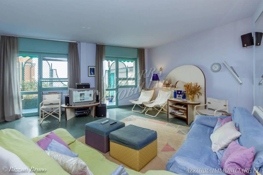 Appartamento in vendita via Torre d'Ere Bergeggi