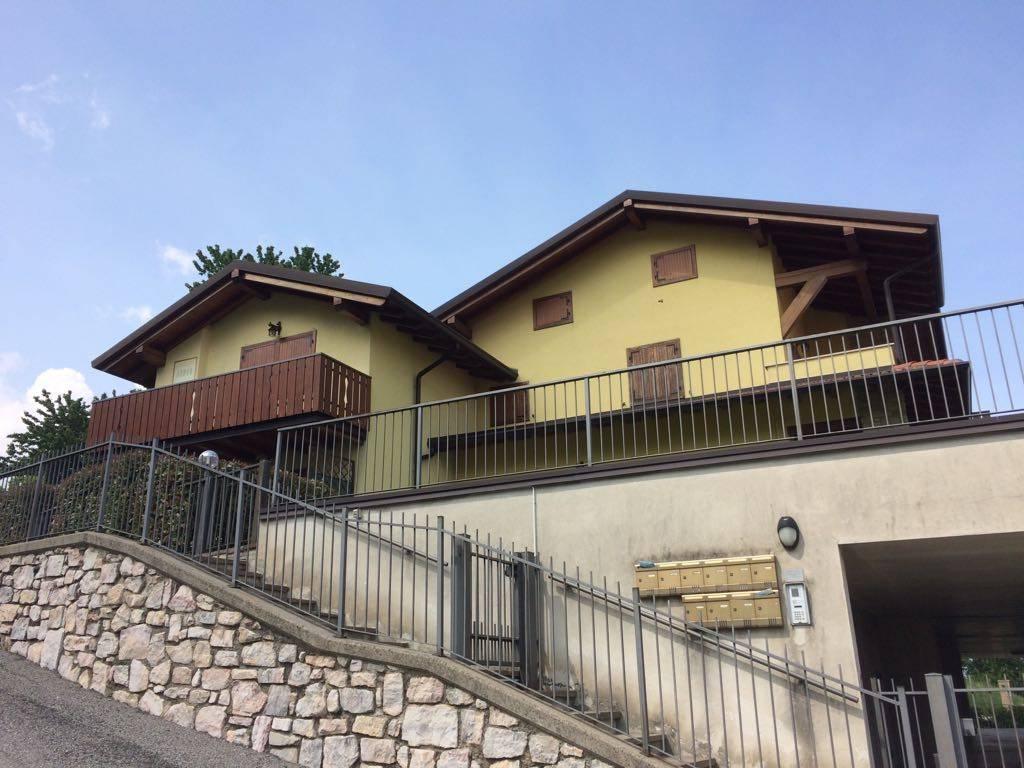 Appartamento in ottime condizioni in vendita Rif. 7003435
