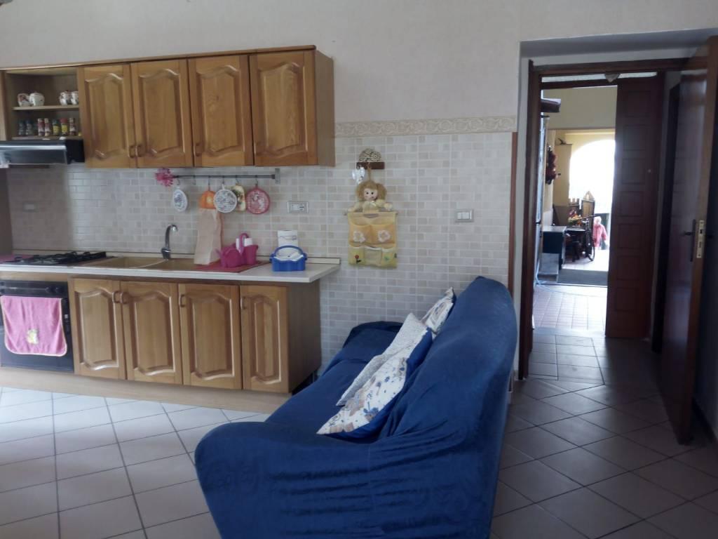 Appartamento in affitto a Mercato San Severino, 2 locali, prezzo € 270 | CambioCasa.it