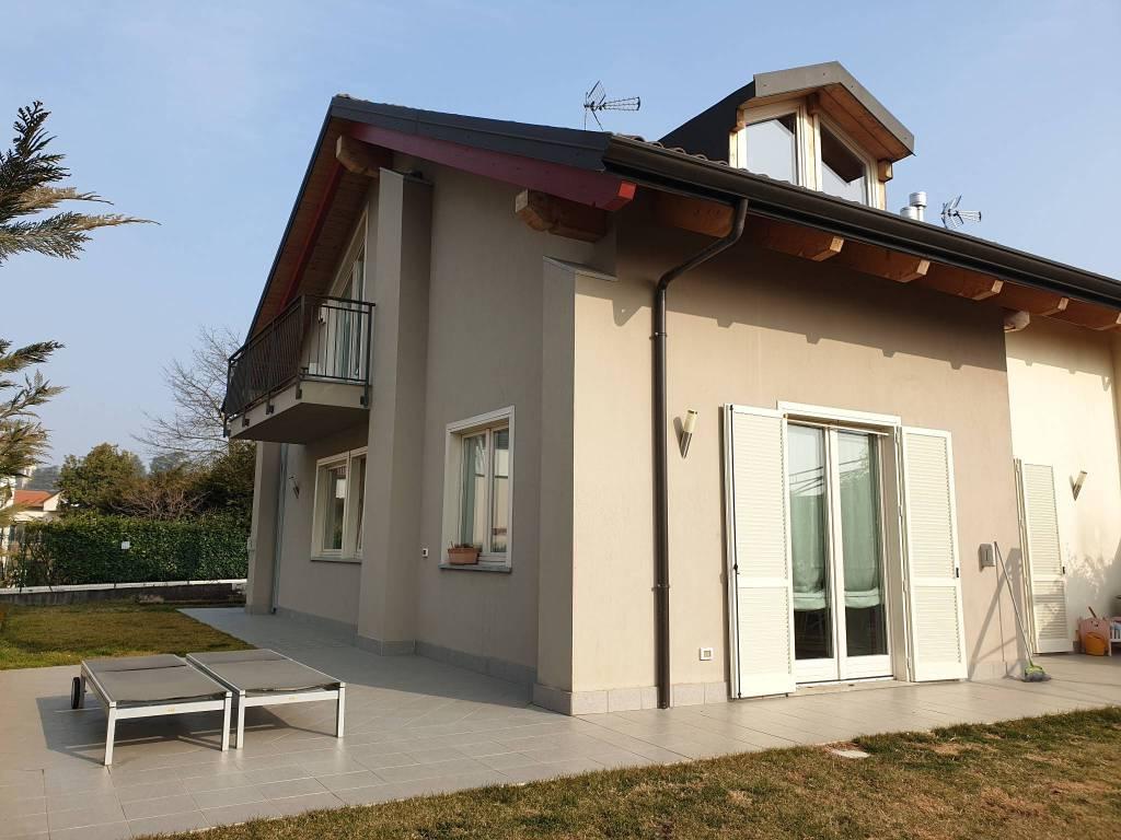 Foto 1 di Villa via 1 Maggio, Reano
