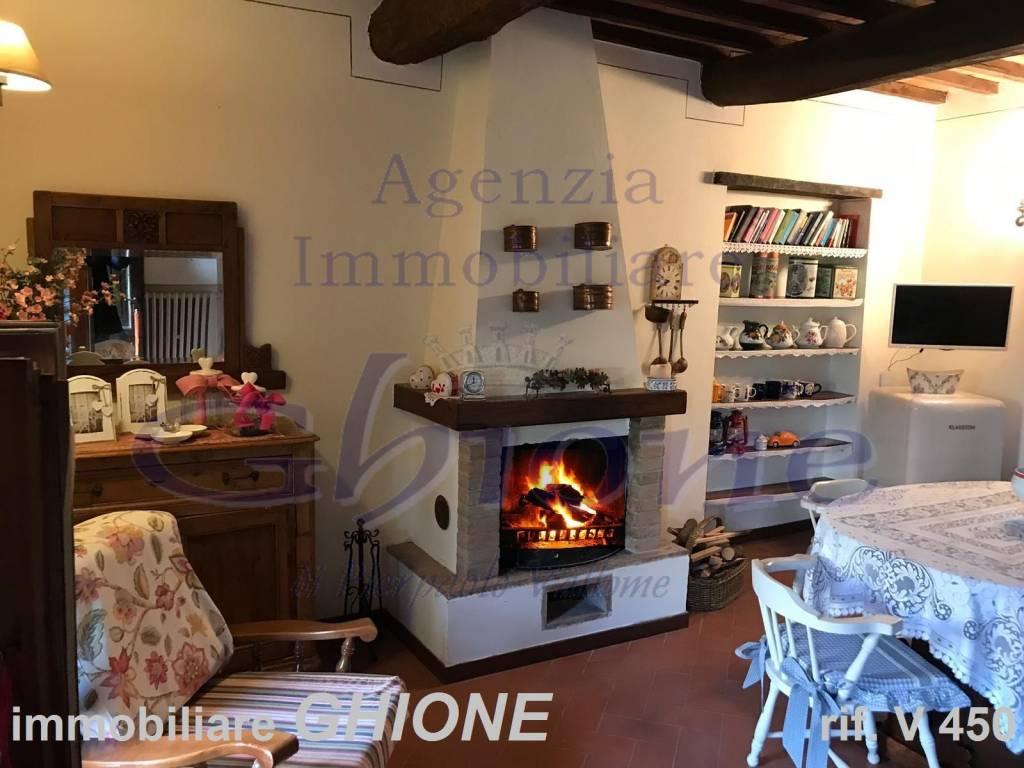 Appartamento in ottime condizioni parzialmente arredato in vendita Rif. 9324871