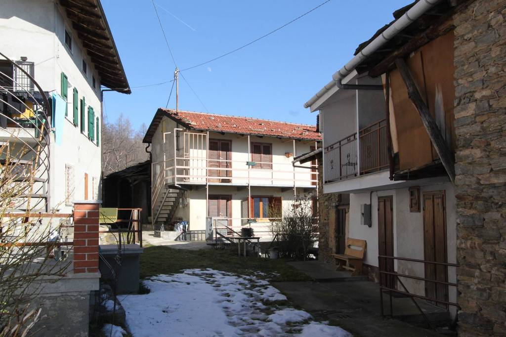 Foto 1 di Rustico / Casale Borgata Barrera, Coazze
