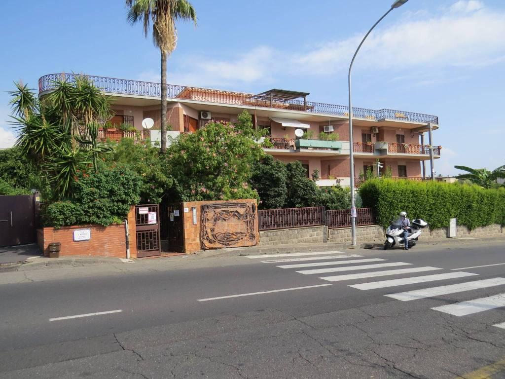 Appartamento da ristrutturare in vendita Rif. 7890645